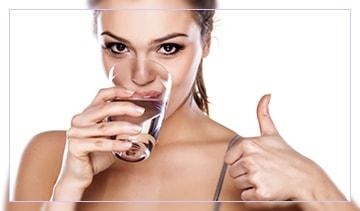 Сколько воды должен выпивать человек в сутки